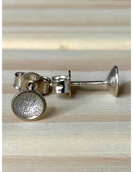 Bijou artisanal tendance en argent massif vendu en ligne pour femmes . Bijouterie ramillies avec bijoux de créateur belge